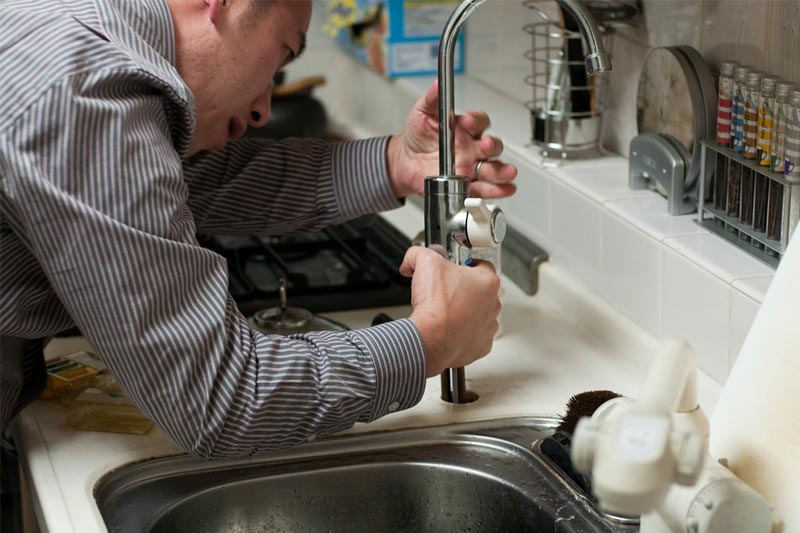how to hire a reliable plumbing company